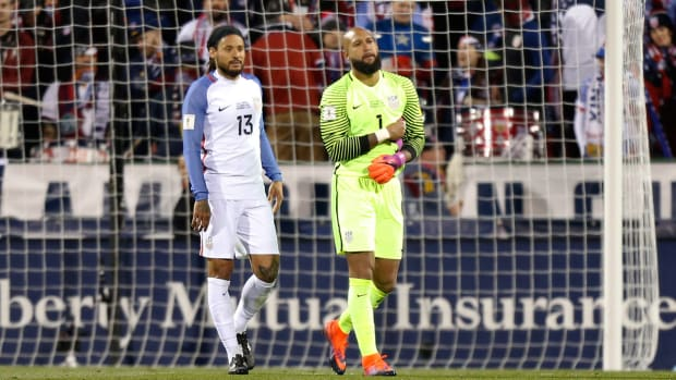 jermaine-jones-tim-howard-usmnt.jpg