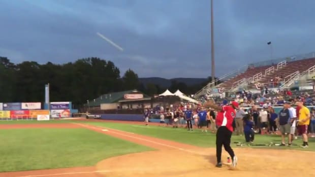odell-beckham-home-run-softball.jpg