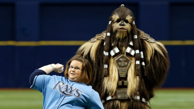 chewbacca-mom-video-rays-first-pitch.jpg