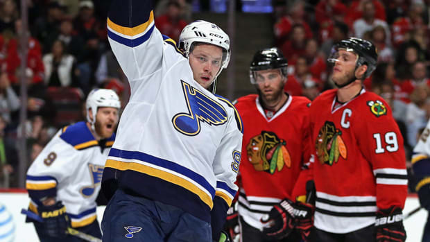 vladimir-tarasenko-blues-top-blackhawks-brink-of-elimination-game-4.jpg