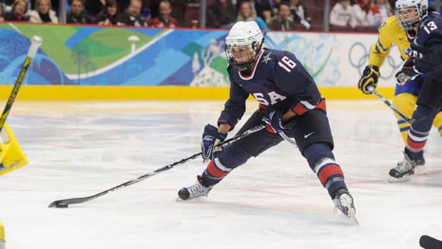 kelli-stack-ct-whale-nwhl-team-usa-olympics-retired.jpg