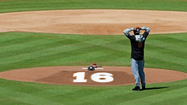 miami-marlins-jose-fernandez-number-16-retired.jpg