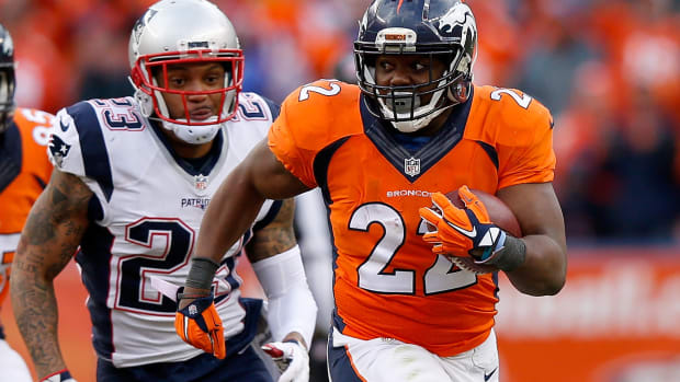 cj-anderson-broncos-dolphins-contract-offer.jpg