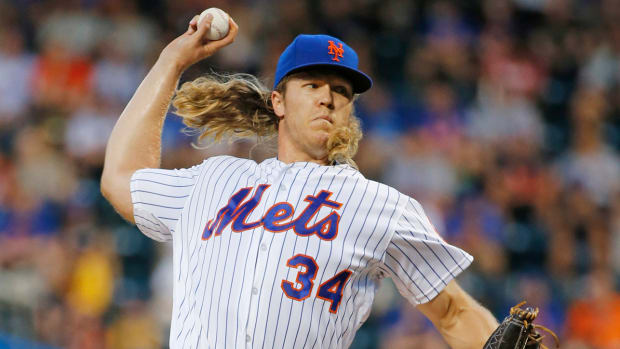 noah-syndergaard-wave-mlb.jpg