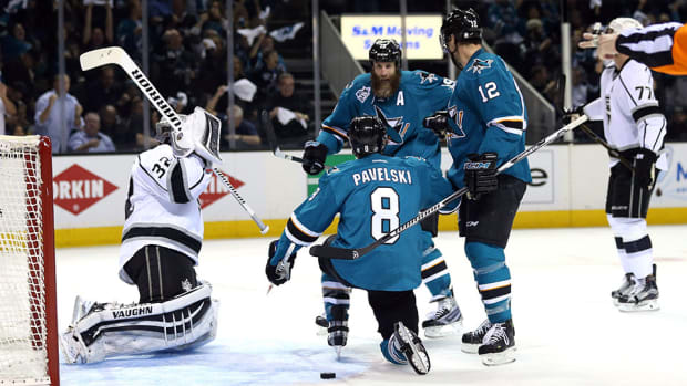 joe-pavelski-sharks-top-kings-game-4-power-play-nhl-960.jpg