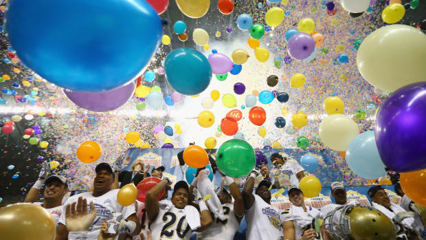 college-football-bowl-game-gift-packages-ranking.jpg