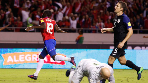 costa-rica-destroys-usa-3t.jpg