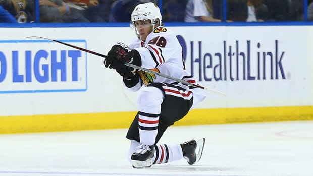 patrick-kane-three-stars-game-5.jpg