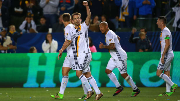 mike-magee-la-galaxy-feature.jpg