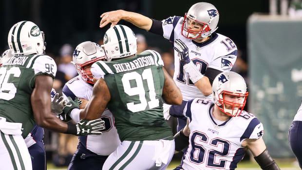 patriots-jets-tom-brady-rob-gronkowski-injury.jpg