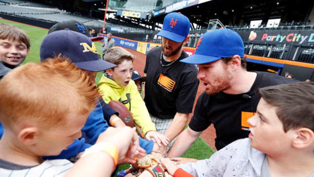 Little Leaguers Take Over Citi Field