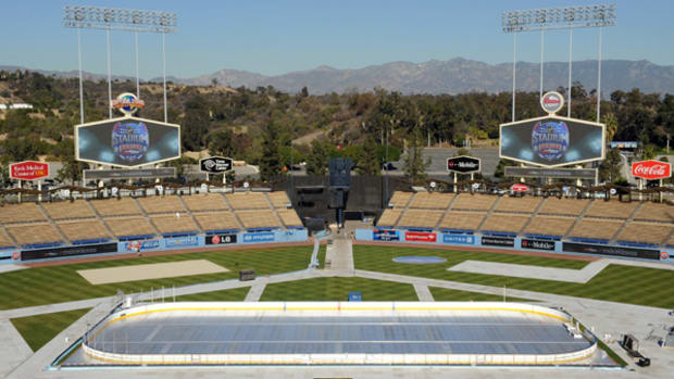 It's Really Happening: Outdoor Hockey Comes to California