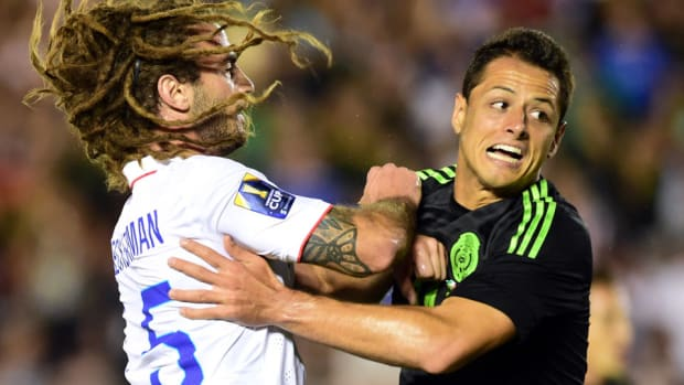 beckerman-chicharito-usa-mexico.jpg