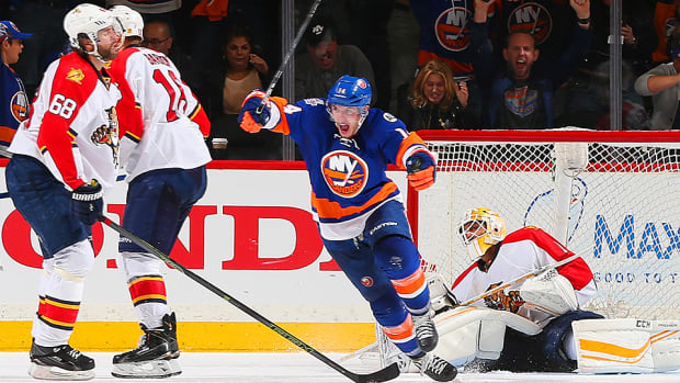 thomas-hickey-goal-islanders-panthers-overtime-video-game-3.jpg