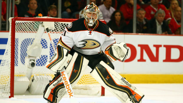 frederik-andersen-traded-to-maple-leafs-ducks-monday-trade-roundup.jpg