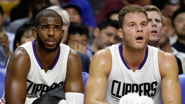 chris_paul_blake_bench_.jpg