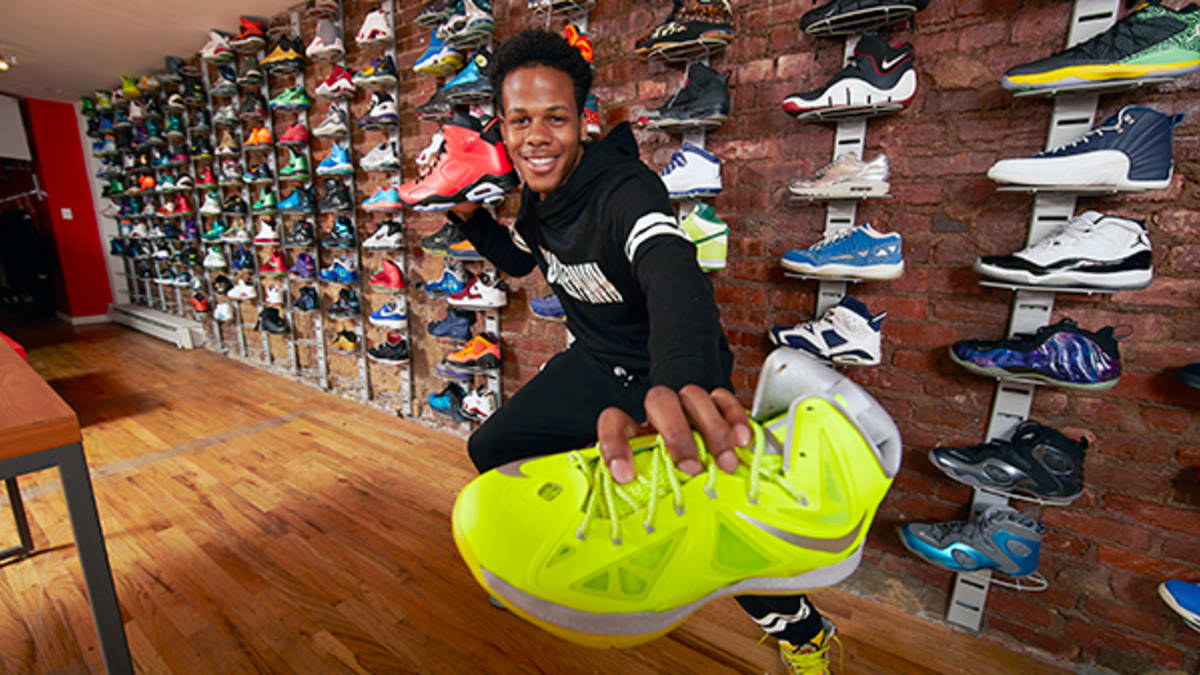 Inside the First Sneaker Pawn Shop - SI