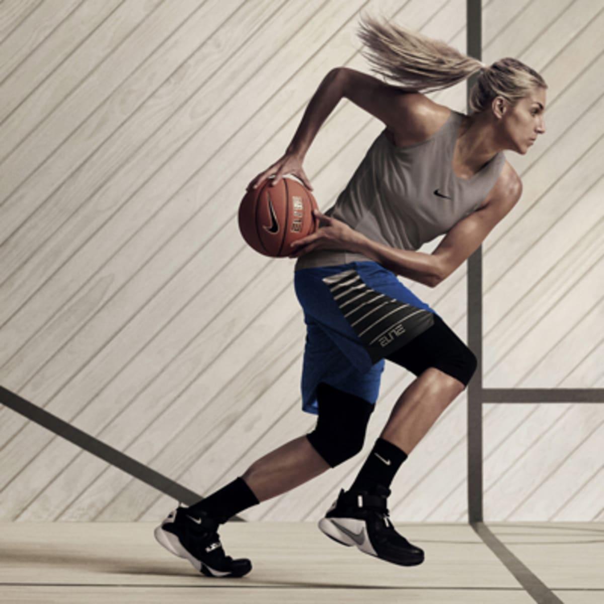 Flojamente Susceptibles a Hora  Delle Donne Helps Unveil Nike Line - SI Kids: Sports News for Kids, Kids  Games and More