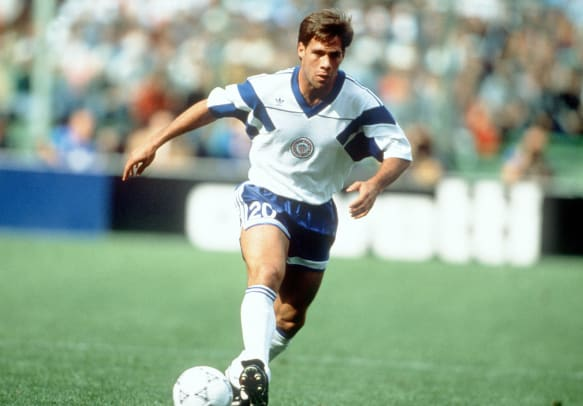 1990-USA-home-uniform-Paul-Caligiuri.jpg