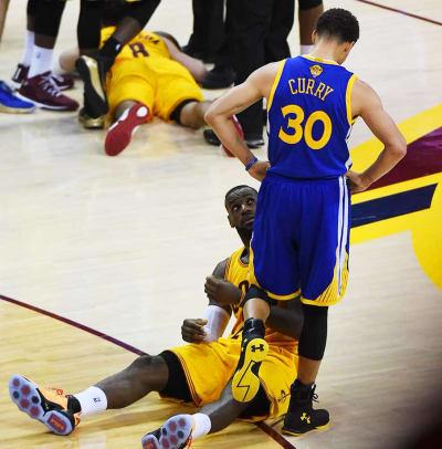 LeBron-James-Steph-Curry-15.jpg