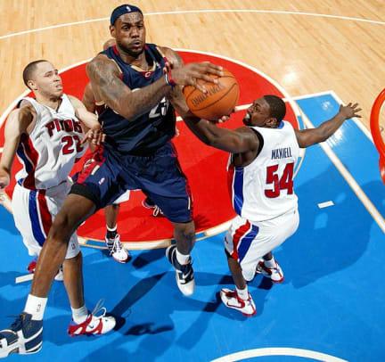 Cavaliers defeat Pistons