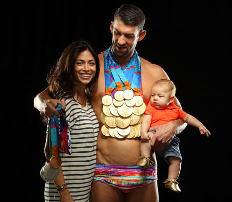 Michael-Phelps-wife-Nicole-Johnson-son-Boomer-SI-cover-shoot-SI523_TK1_00114.jpg
