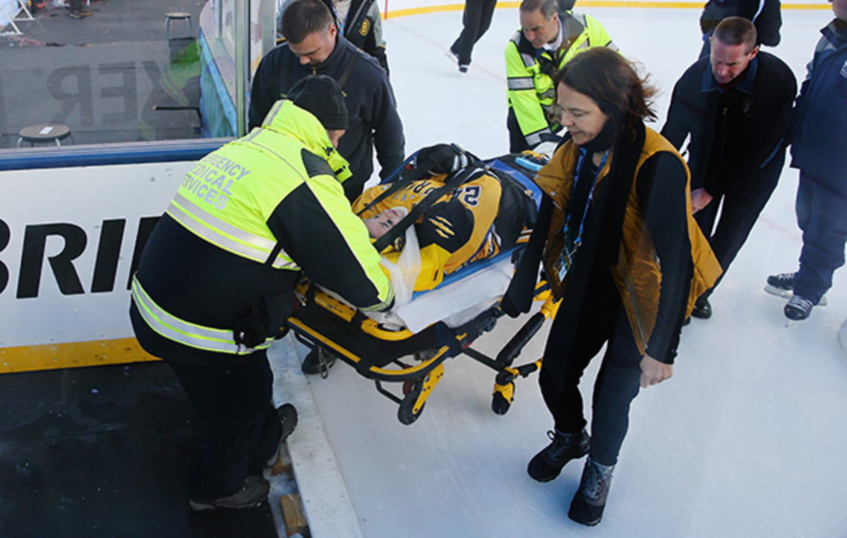denna-laing-injury-winter-classic.jpg