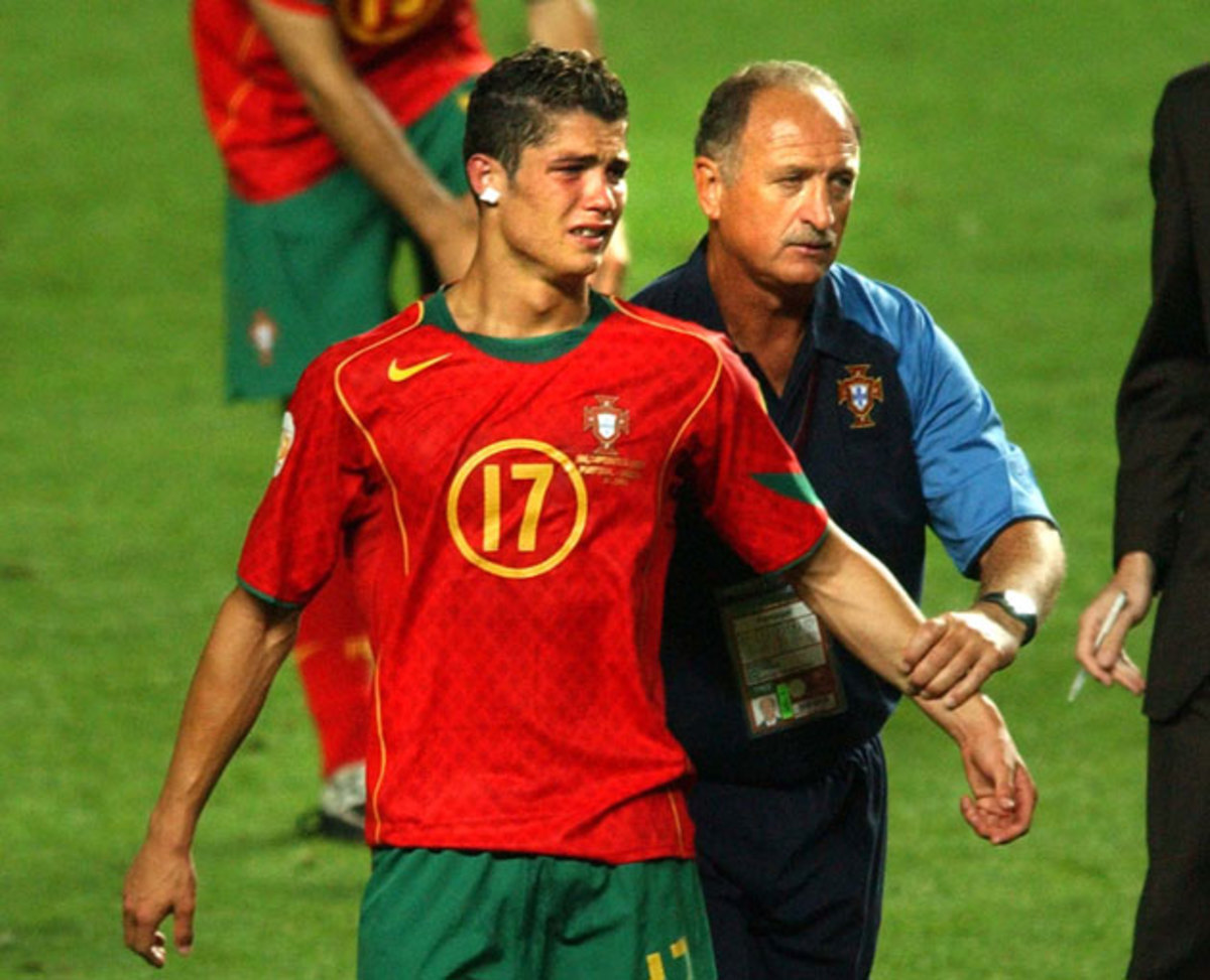 ronaldo-portugal-greece-2004.jpg