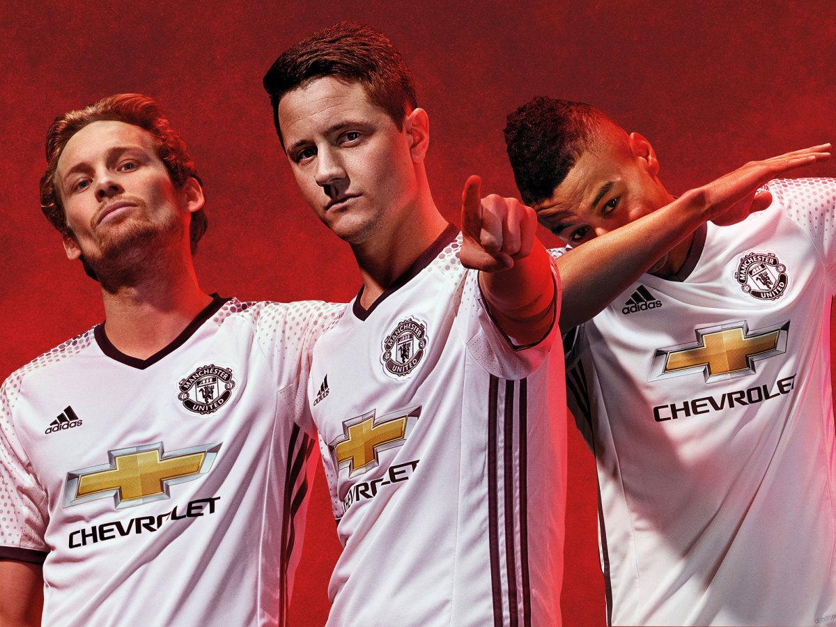 man-united-third-kit.jpg