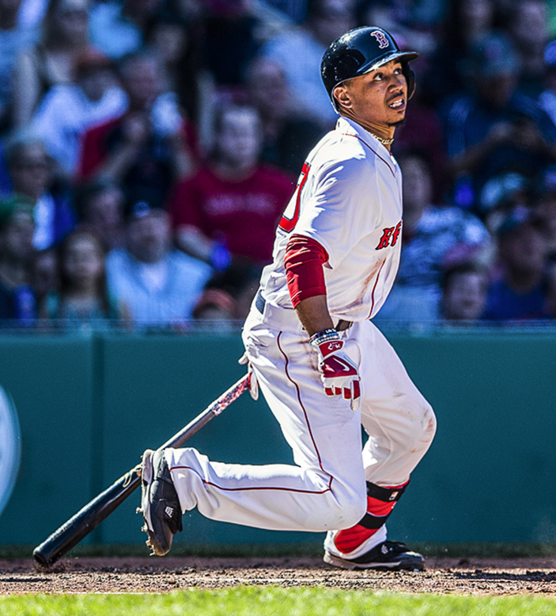 spare-time-mookie-betts-bowling-article2.jpg