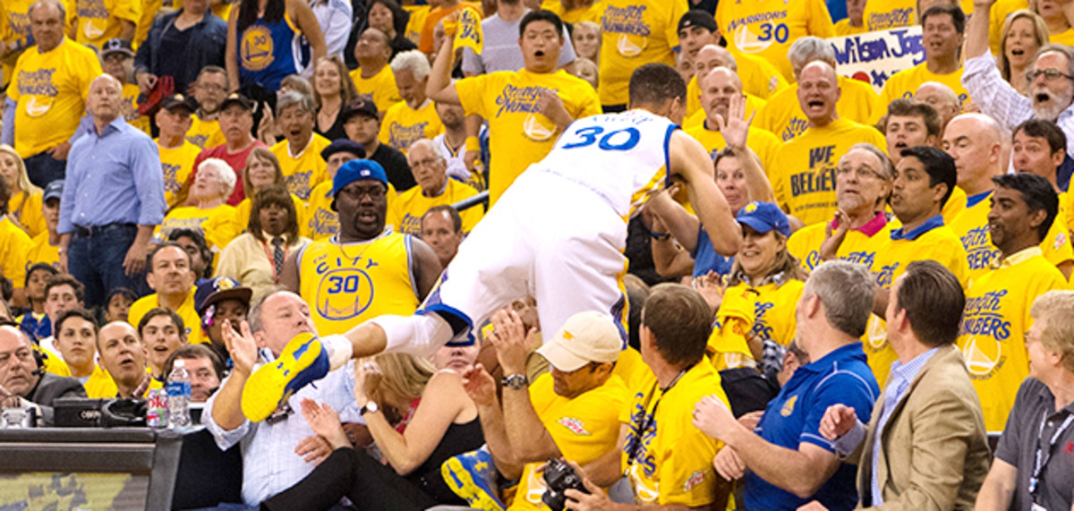 nba-playoffs-stephen-curry-injury-golden-state-warriors-oklahoma-city-thunder-game-2-video.jpg