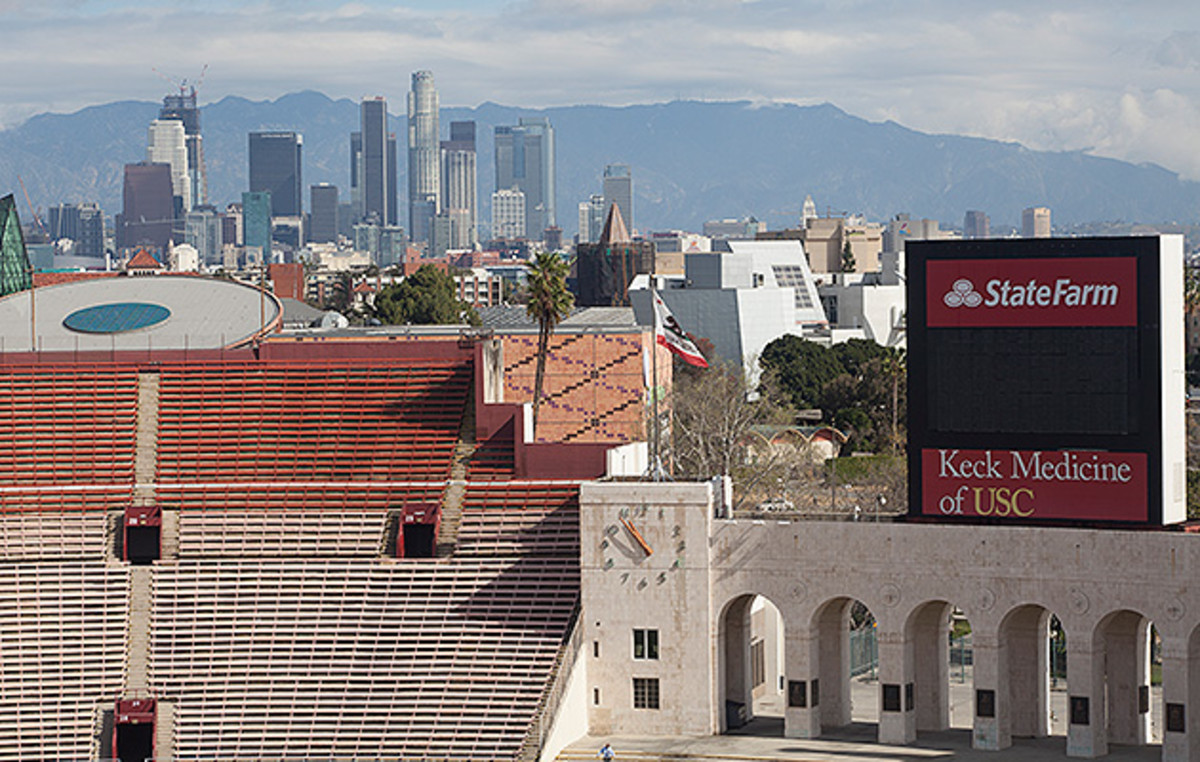 la-skyline-coliseum-rams.jpg