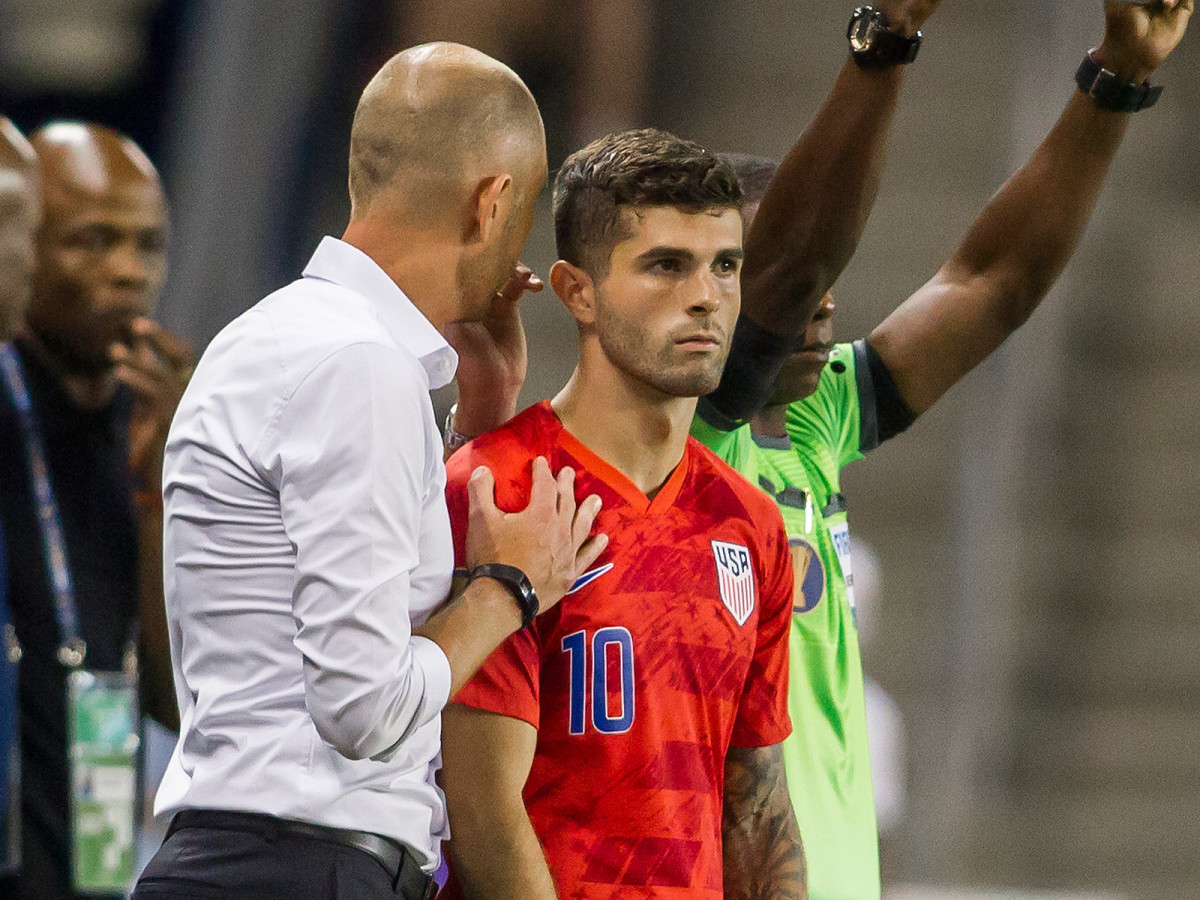 berhalter-pulisic-usa-curacao-gold-cup.jpg
