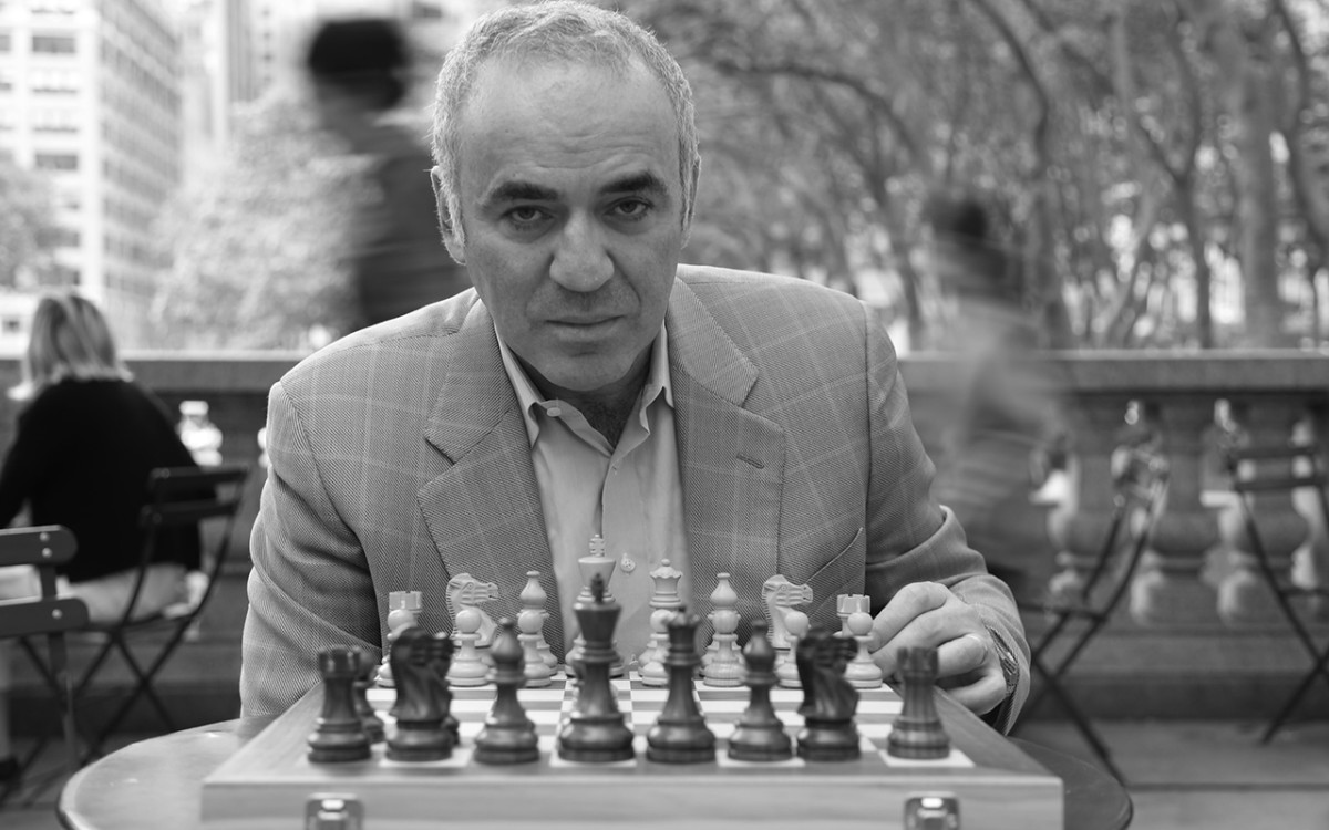 garry-kasparov-chess-new-york.jpg