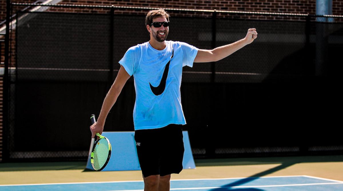 dirk-tennis-top.jpg