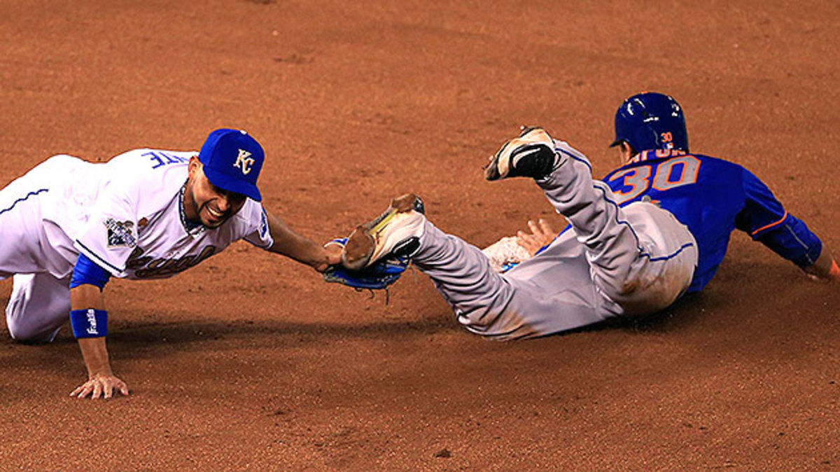 omar-infante-tags-out-conforto-april-3.jpg