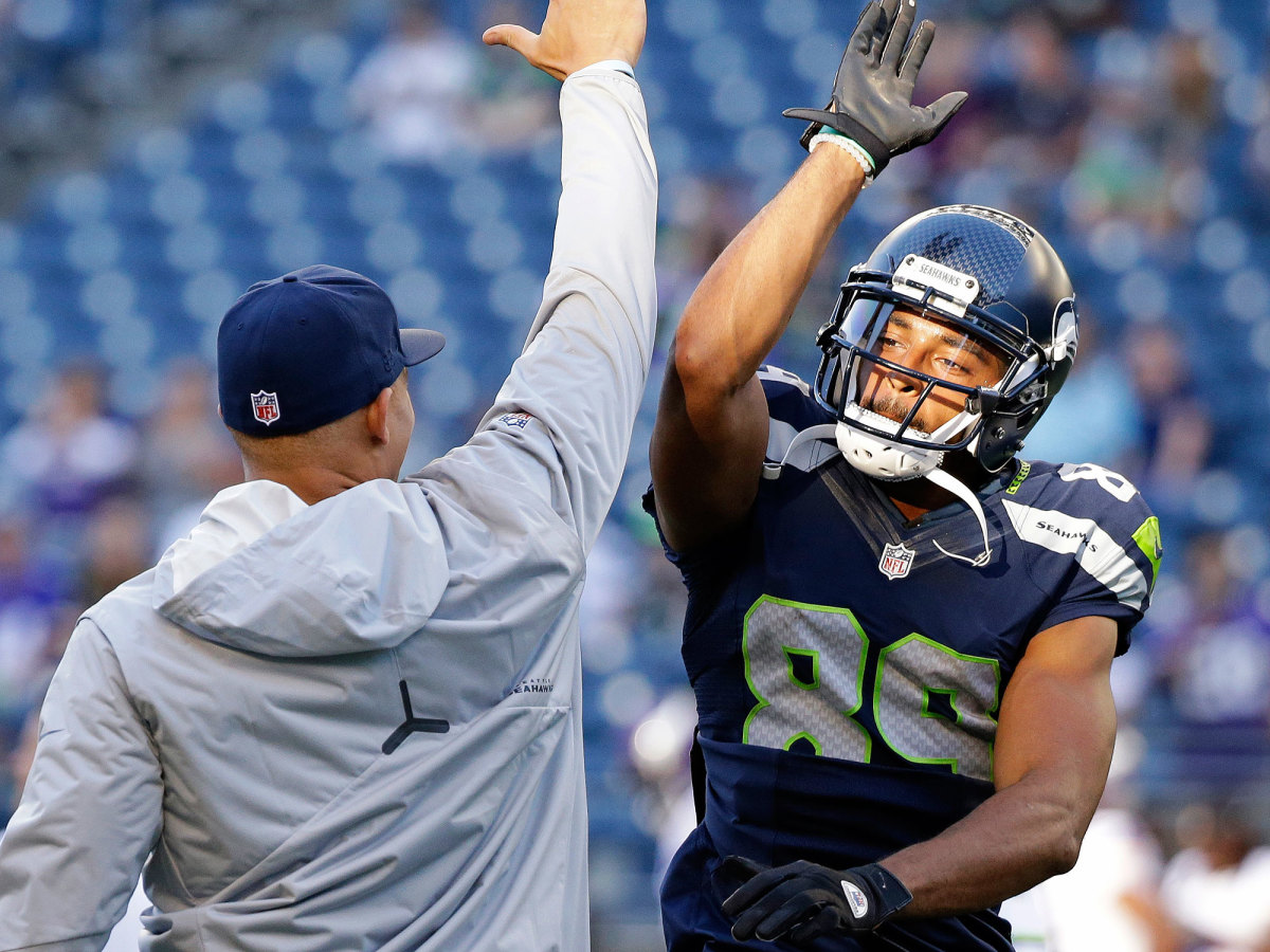 doug-baldwin-seahawks-high-five.jpg