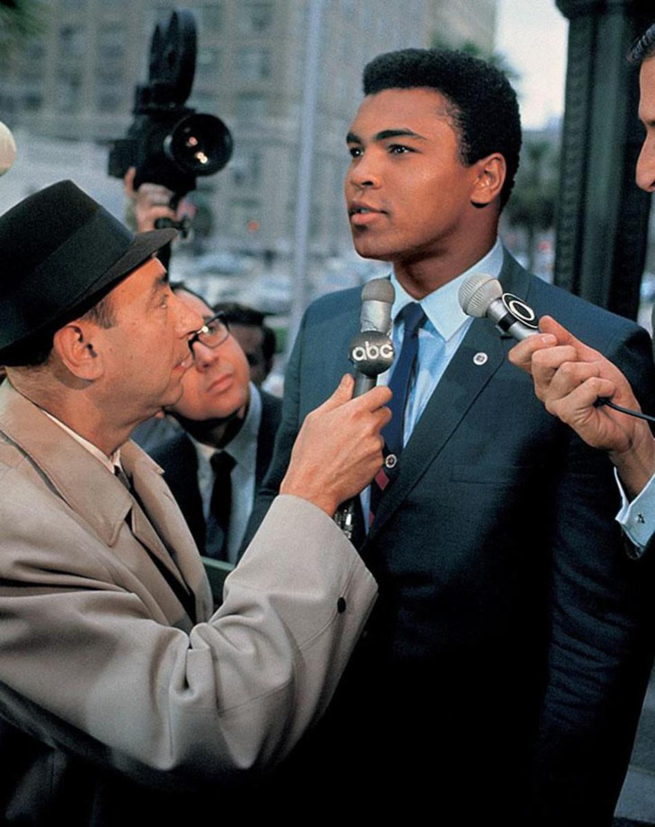 08-1967-0428-Muhammad-Ali-Howard-Cosell-017010649.jpg