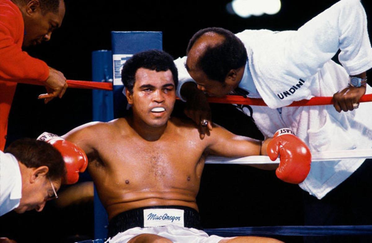 10-1980-Muhammad-Ali-Drew-Bundini-brown-001069420.jpg
