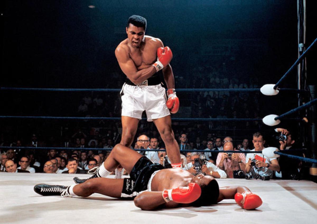 01-1965-0525-Muhammad-Ali-Sonny-Liston-II-001292890.jpg