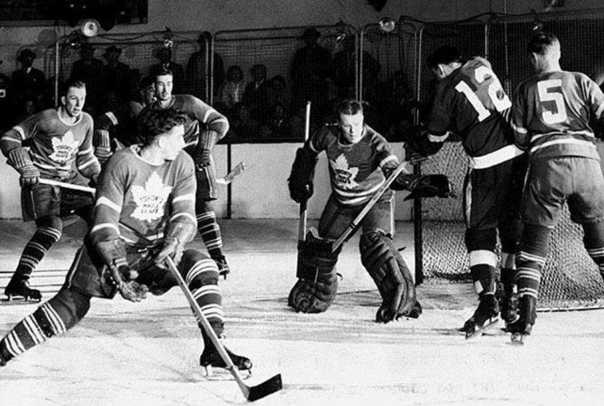 Leafs-1942-Bennett.jpg