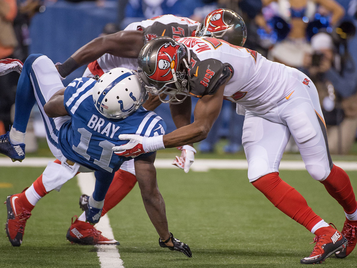 helmet-to-helmet-hit-nfl-bucs-colts.jpg