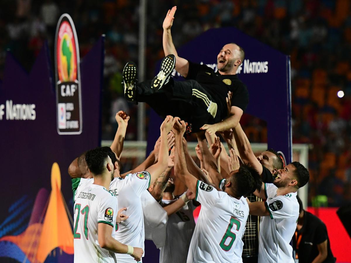 algeria-afcon-winners-coach.jpg