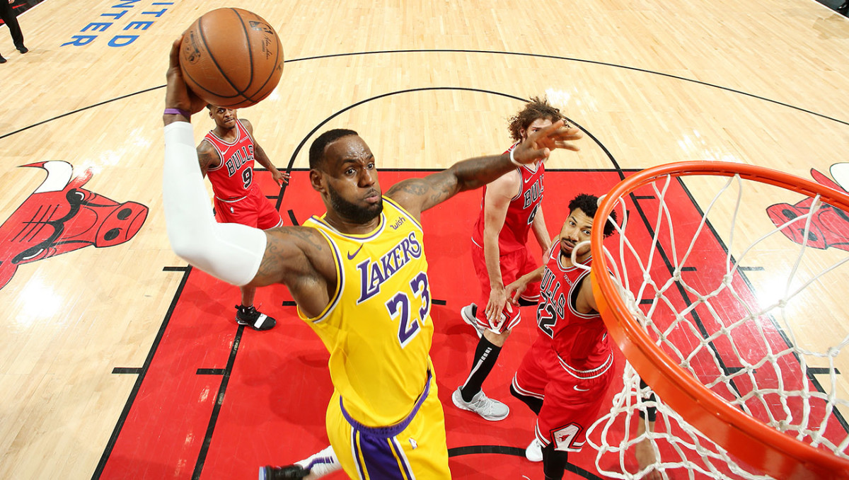 lebron-james-lakers-bulls-dunk.jpg