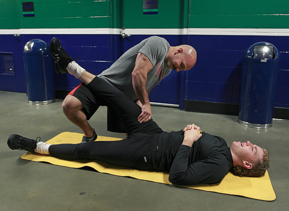 goodman-blackhawks-stretching.jpg
