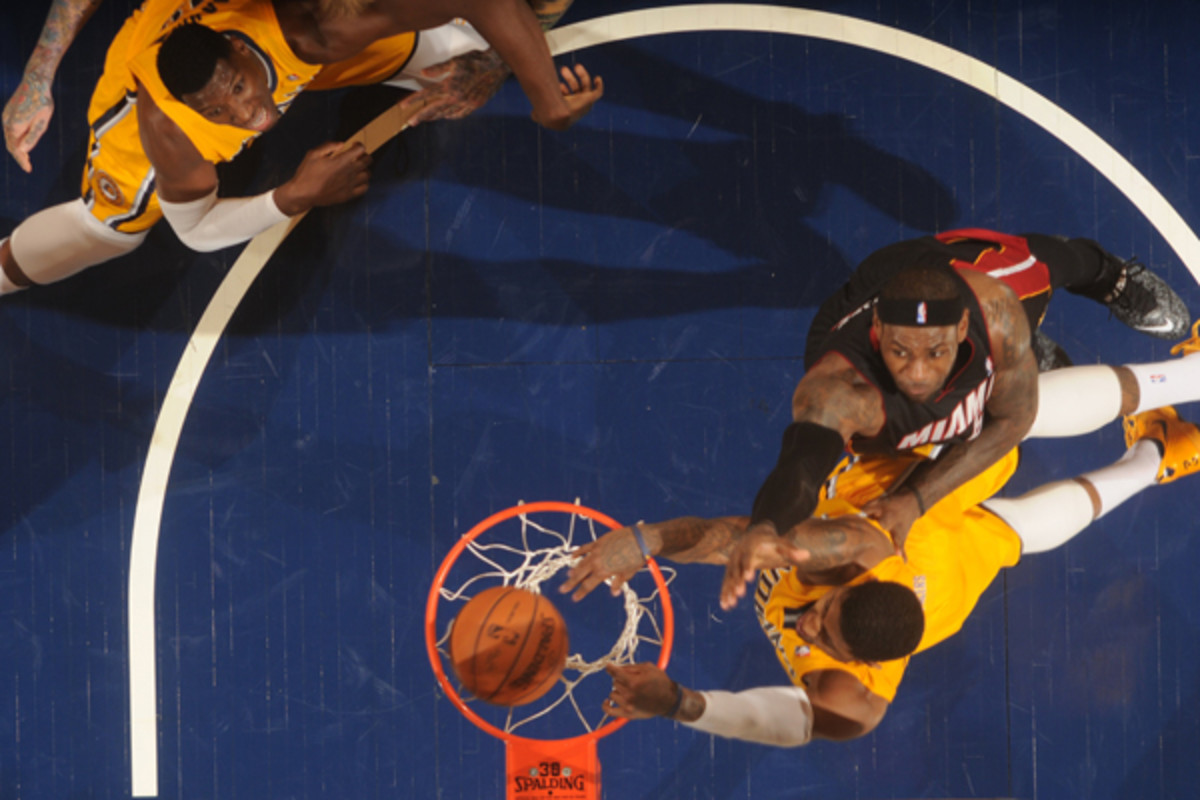 paul george dunk on lebron james indiana pacers miami heat