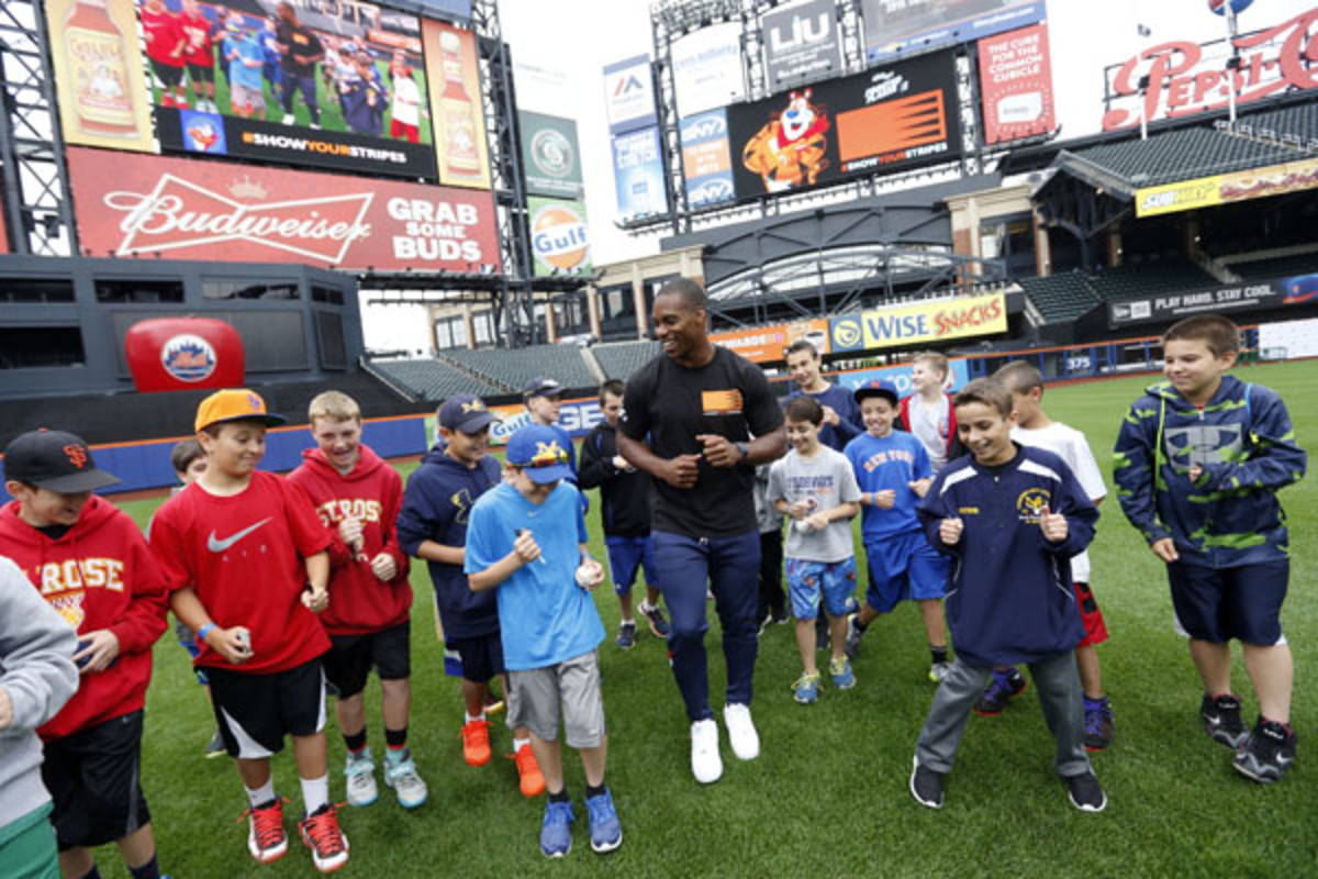 citi field little league kellogg's show your stripes