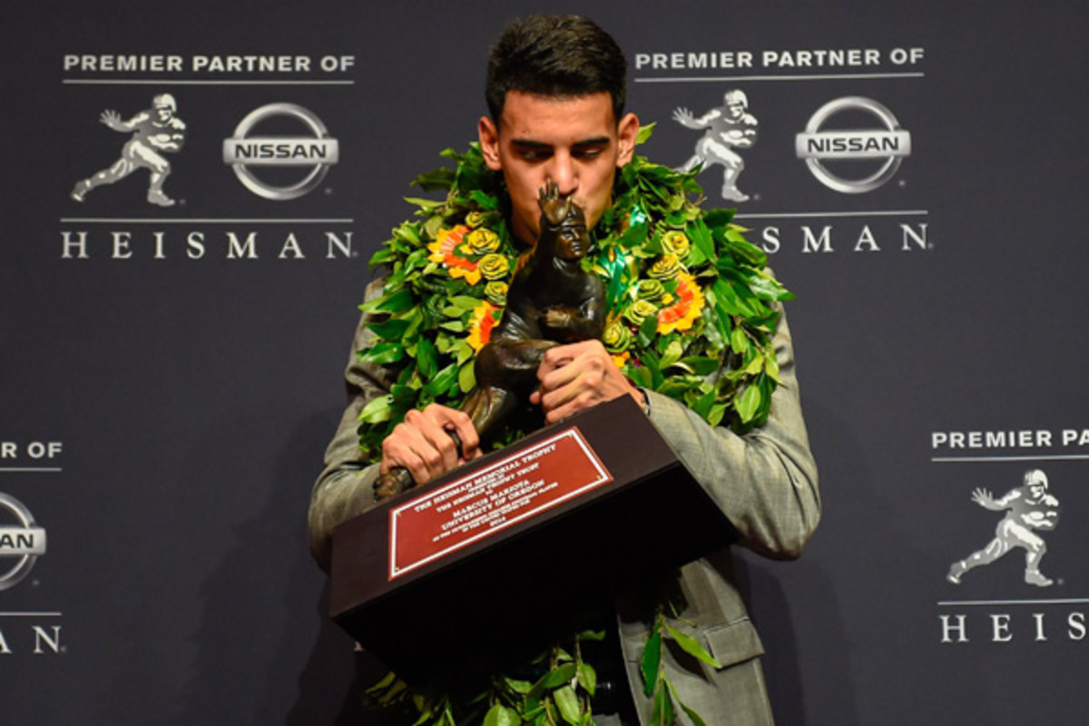 marcus mariota oregon ducks heisman trophy