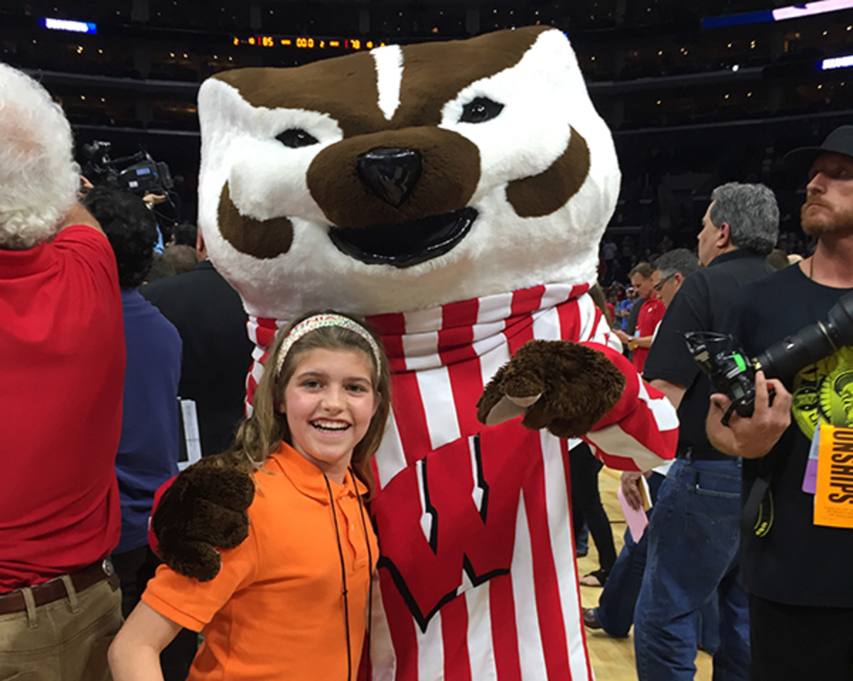 isabel gomez march madness mascot