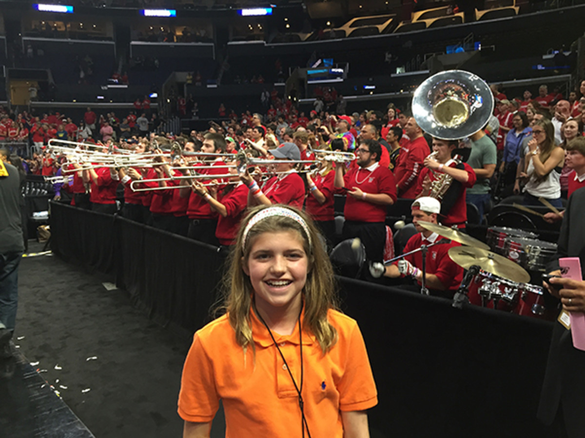 isabel gomez march madness band